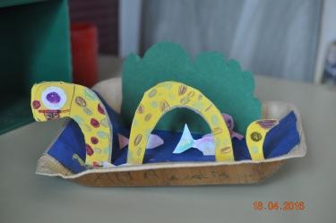 Seeungeheuer aus Papier/Holz